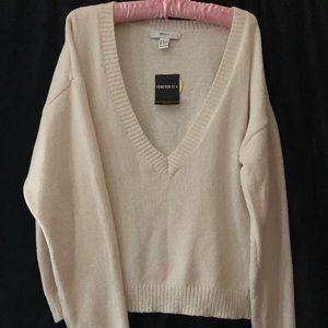 SOFEST vneck sweater